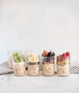 Back to school easy kid friendly oat and fruit jar breakfast