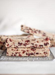 6 Ingredient Cranberry Almond Granola Bar