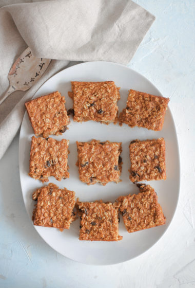 Healthy Pumpkin Oatmeal Raisin Baked Squares
